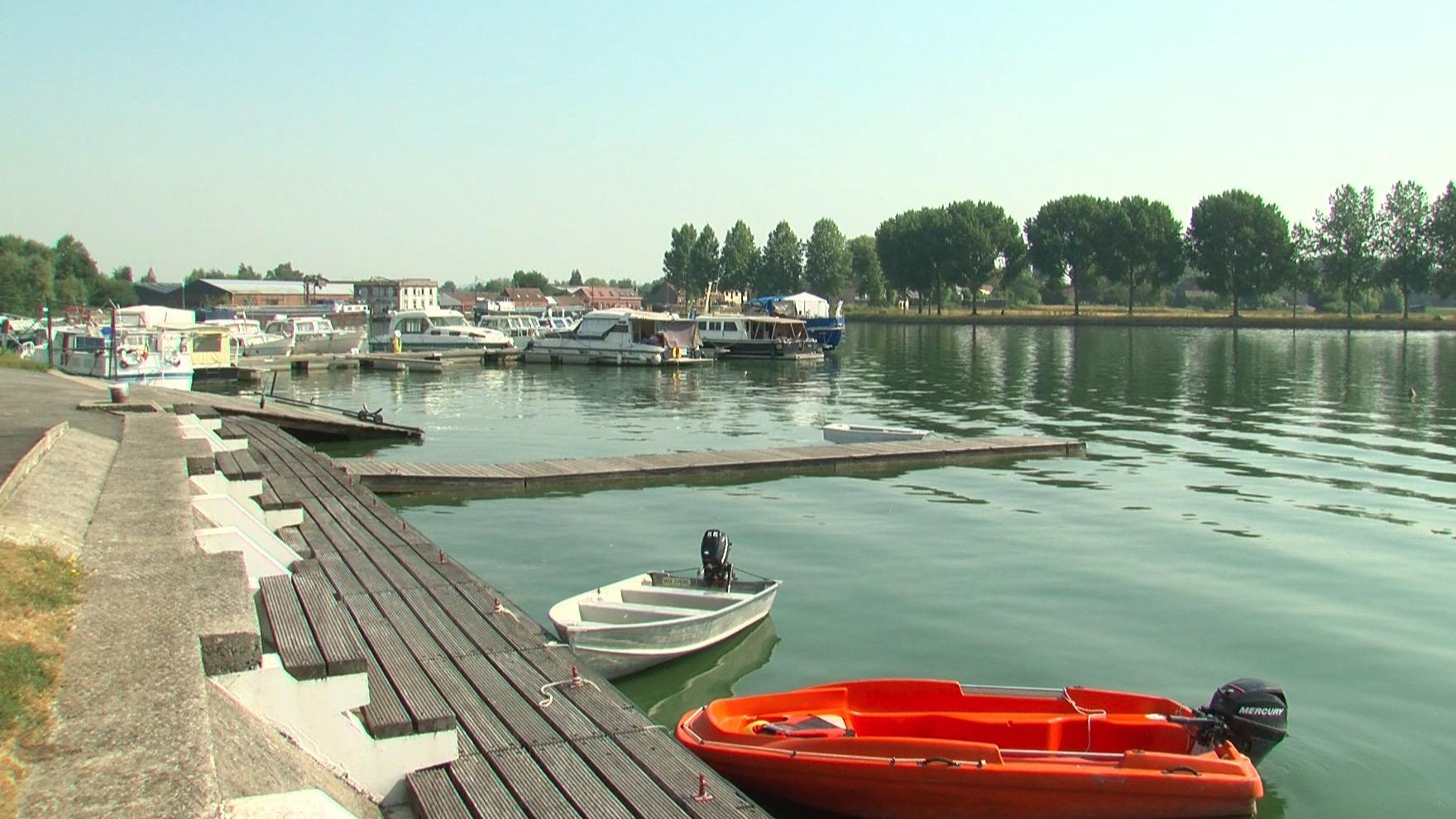 La qualité de l'eau du Grand Large de Péronnes est repassée au vert